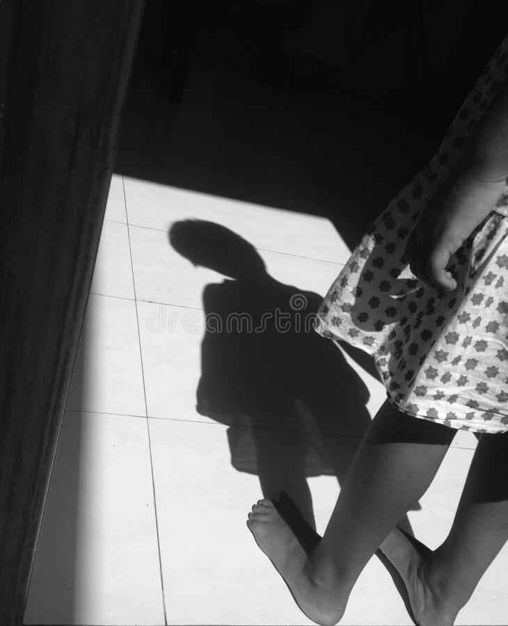 Девушка тени стоковая фотография