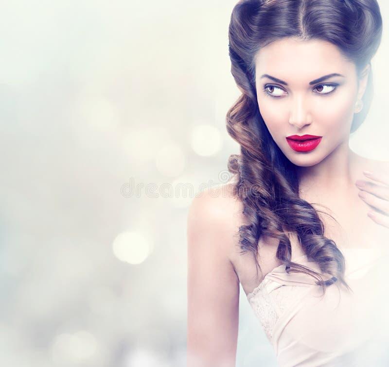 Девушка фотомодели красоты ретро стоковые фотографии rf