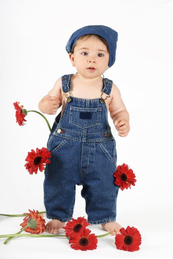 Download девушка цветка стоковое фото. изображение насчитывающей красно - 481098