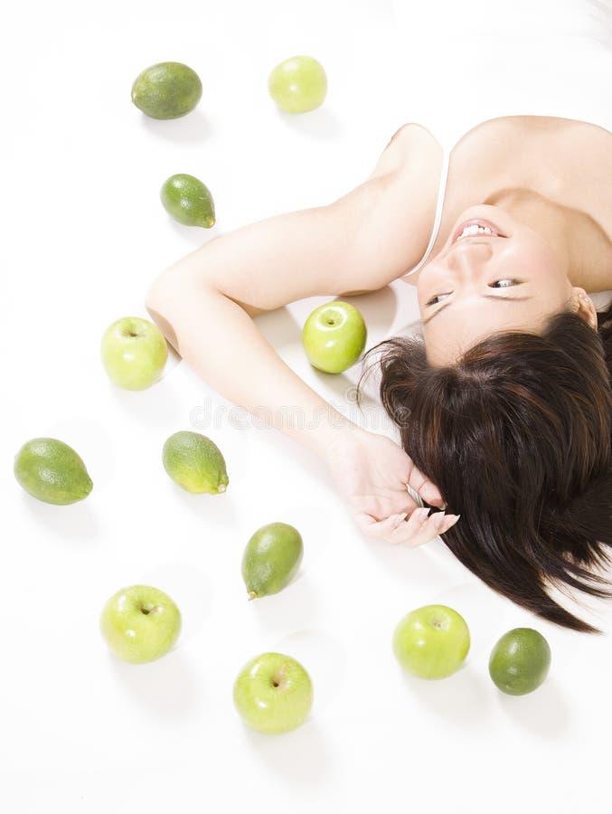 девушка 7 плодоовощей стоковое изображение rf