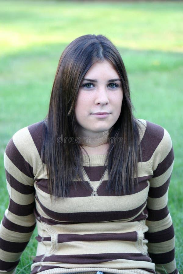 девушка outdoors стоковые фотографии rf