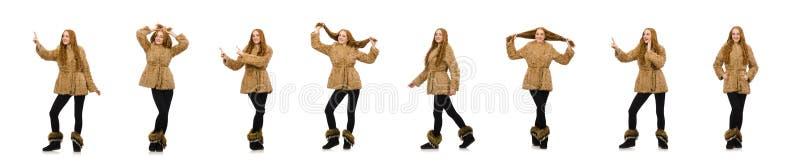 Девушка Redhead в меховой шыбе изолированной на белизне стоковая фотография