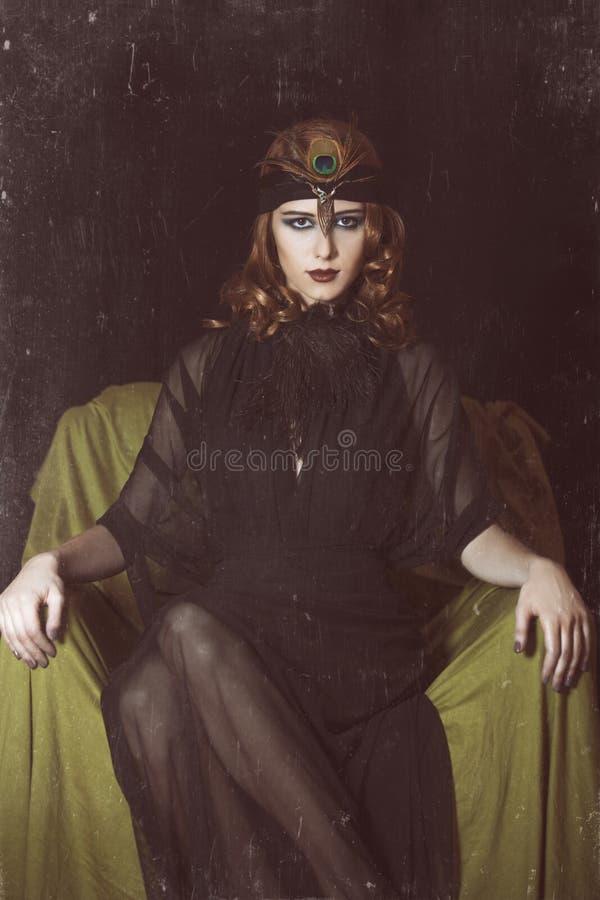Девушка Redhead в стиле 20 s. стоковое изображение
