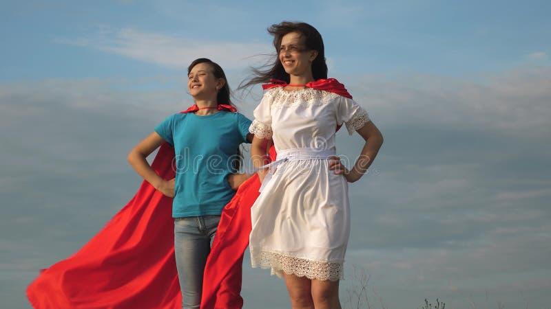 2 девушка модель командной работы интересные работы для девушек с хорошей зарплатой
