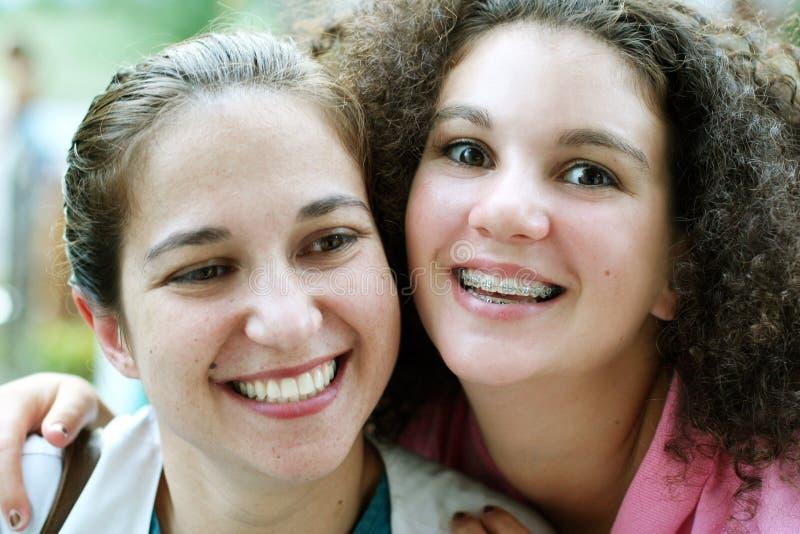 девушки счастливые