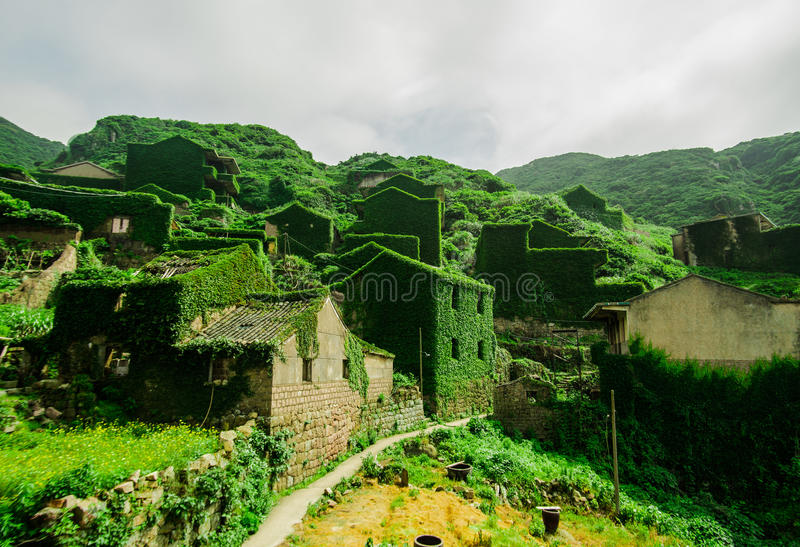 Дезертированная деревня на острове Gouqi стоковая фотография