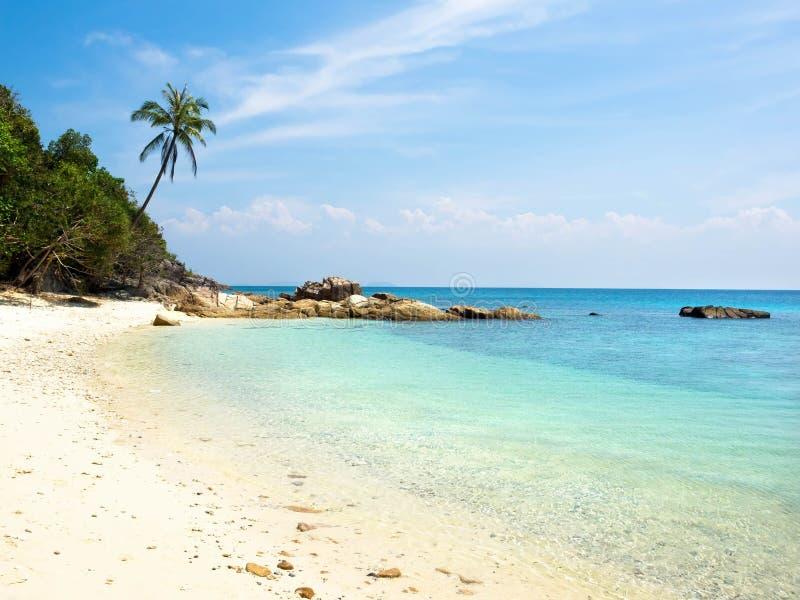 Дезертированный пляж на острове Perhentian, Малайзии стоковые фотографии rf
