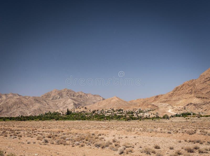 Дезертируйте взгляд ландшафта в оазисе южном Иране garmeh стоковое фото rf