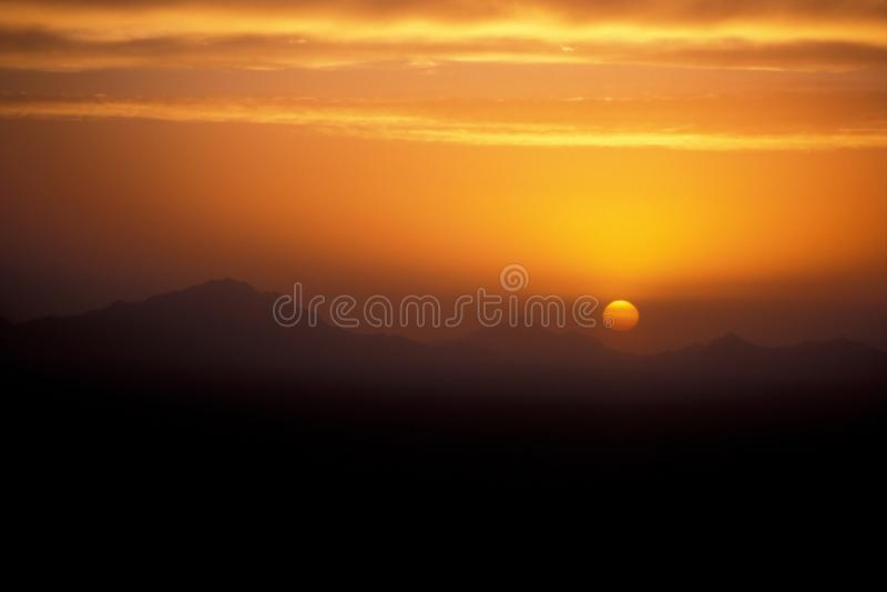 дезертируйте заход солнца стоковая фотография rf