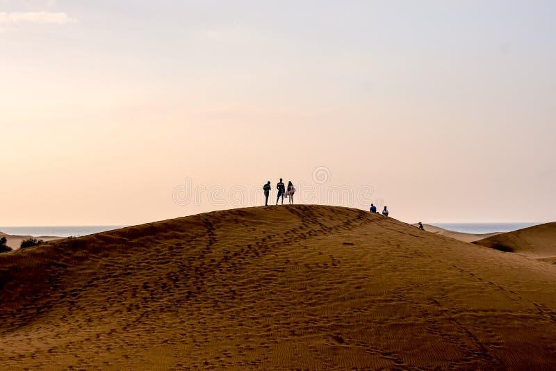 Дезертируйте с песчанными дюнами в Gran Canaria Испании стоковое изображение rf