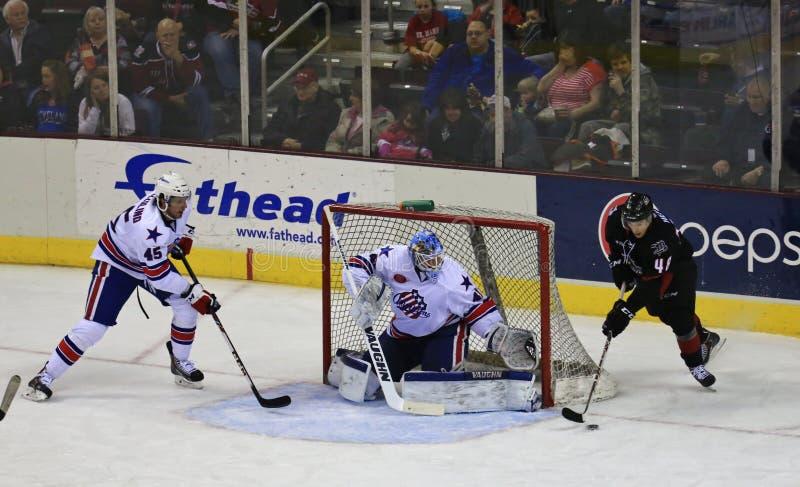 Действие хоккея на льде стоковое изображение