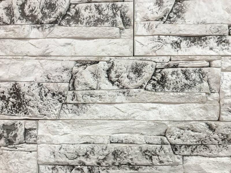 Декоративная панель с влиянием старой треснутой белой кирпичной стены, крупного плана стоковое изображение