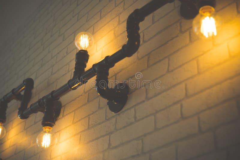 Декоративные античные электрические лампочки стиля стоковое фото