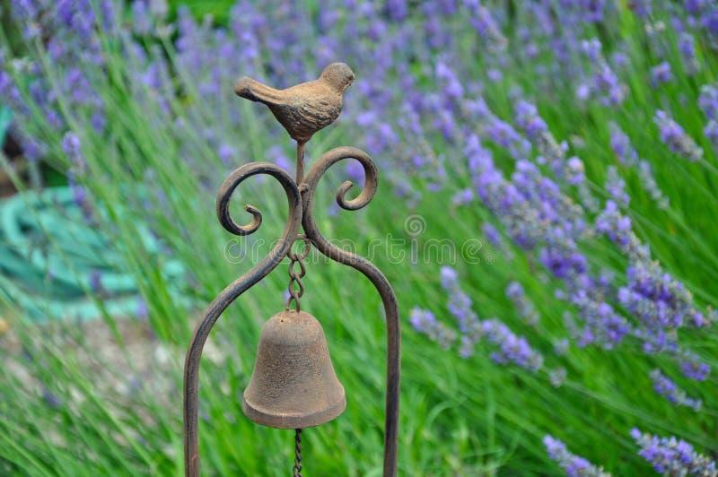 Декоративный перезвон ветра птицы стоковая фотография