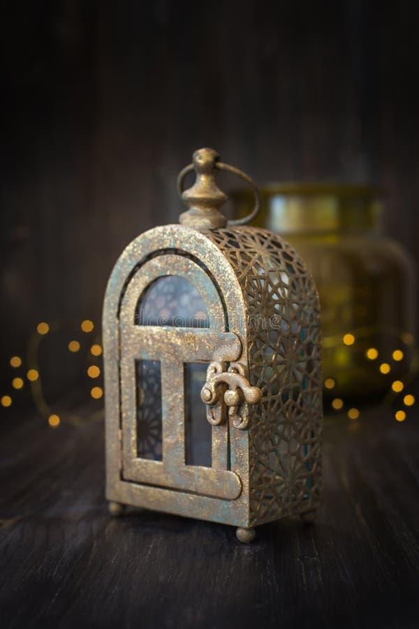 Декоративный подсвечник рождество украшает идеи украшения свежие домашние к стоковое фото rf