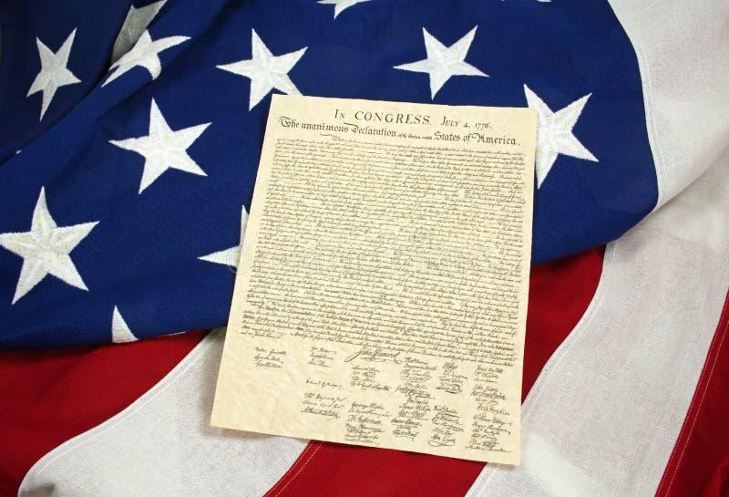 Декларация Независимости на американском флаге, горизонтальном стоковое фото