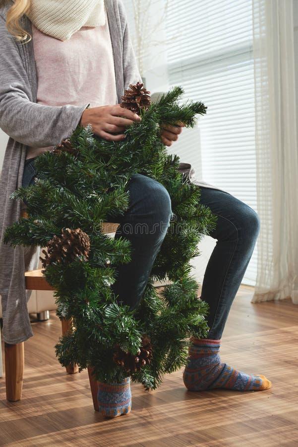 Делать венок рождества стоковые фото