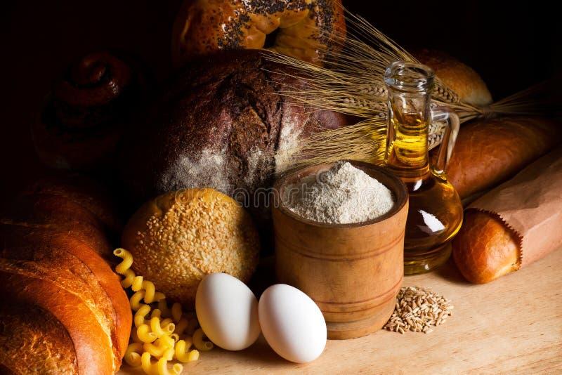 делать ингридиентов хлопьев хлеба стоковое фото