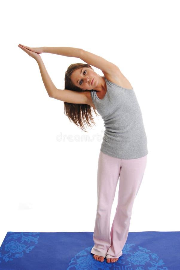 делать йогу стоковые фото