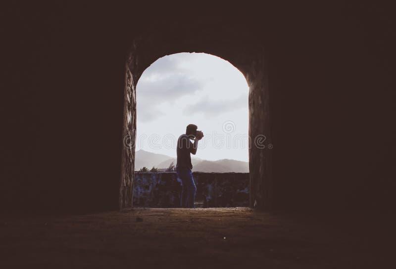 Делать фотографию с страстью на ей стоковое фото rf