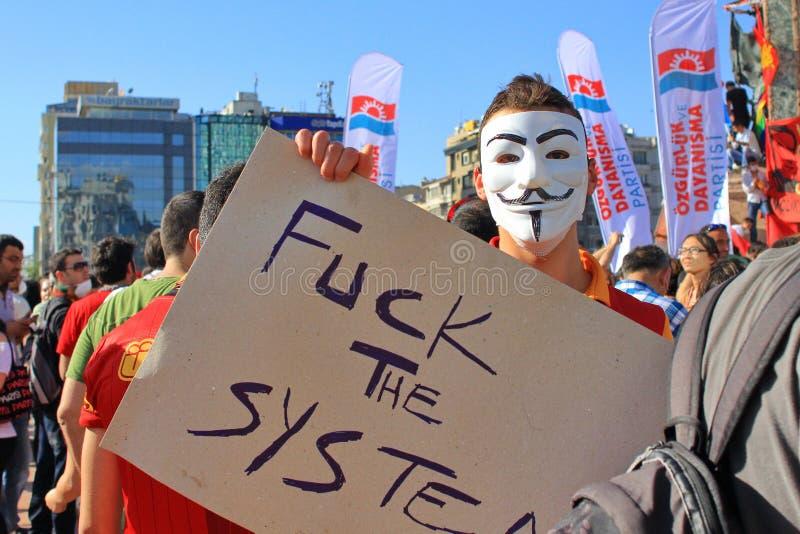 Демонстрант в маске стоковое изображение rf