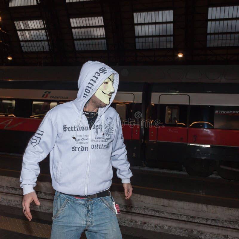 Демонстрант протестуя против правительства в милане, Италии стоковые изображения rf