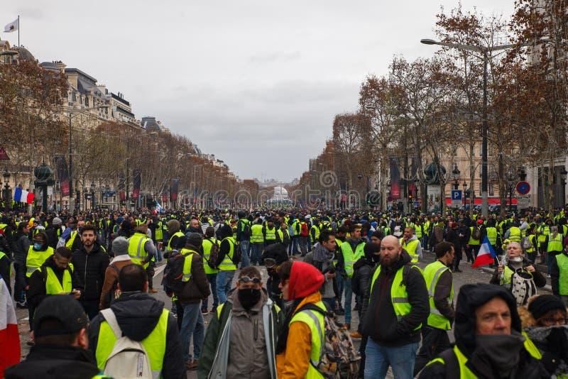 """Демонстрация """"Gilets Jaunes в Париже, Франции стоковая фотография rf"""
