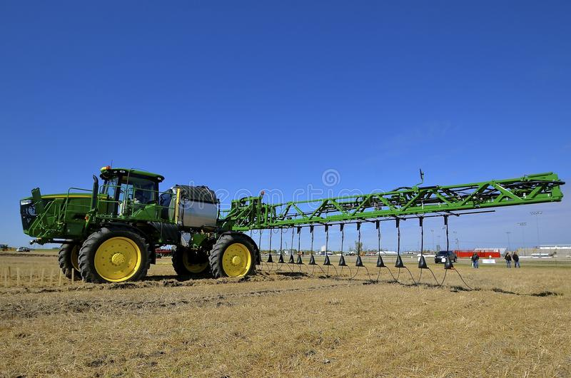 Демонстрация John Deere нового спрейера урожая стоковое изображение rf