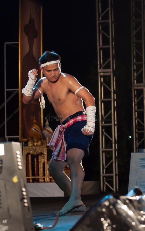 Демонстрация Mai Muay Mae тайская стоковая фотография rf