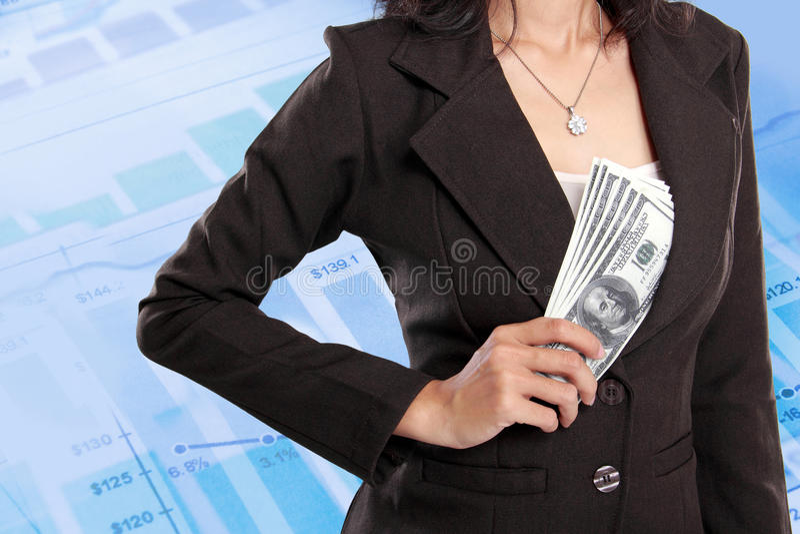 Download Деньги бизнес-леди пряча внутри ее куртки Стоковое Фото - изображение насчитывающей бумага, роста: 37927096