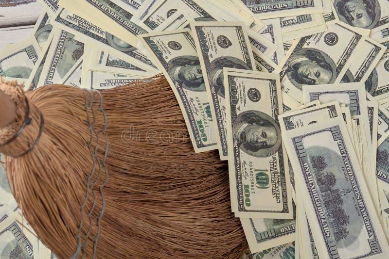 Деньги как концепция отброса стоковые фото