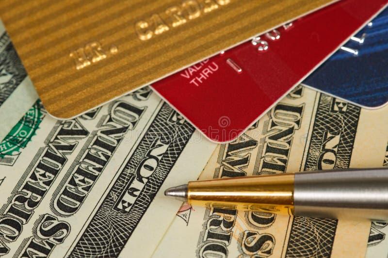 деньги кредита карточек стоковые фото