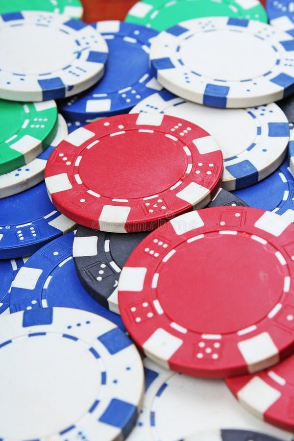 Деньги покера казино откалывают текстуру Стог обломоков покера как предпосылка Знаки внимания знака внимания казино покера как пр стоковое изображение rf