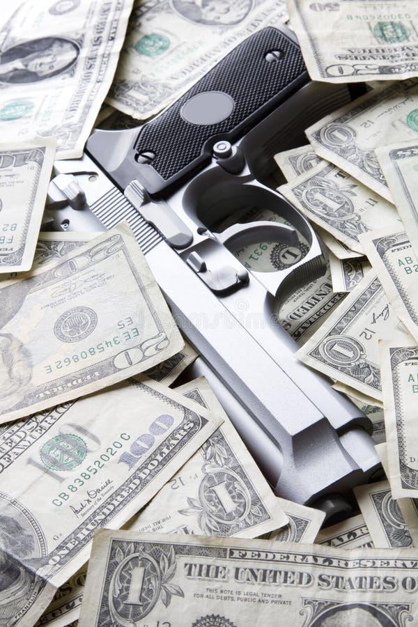 деньги пушки стоковые фотографии rf
