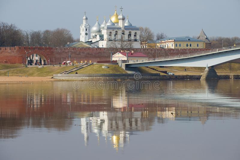 День в апреле на стенах Новгорода Кремля novgorod Россия veliky стоковая фотография rf