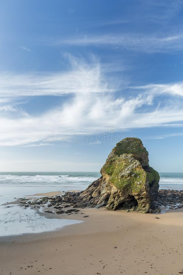 День в ноябре, пляж Whipsiderry, Newquay, Корнуолл стоковая фотография