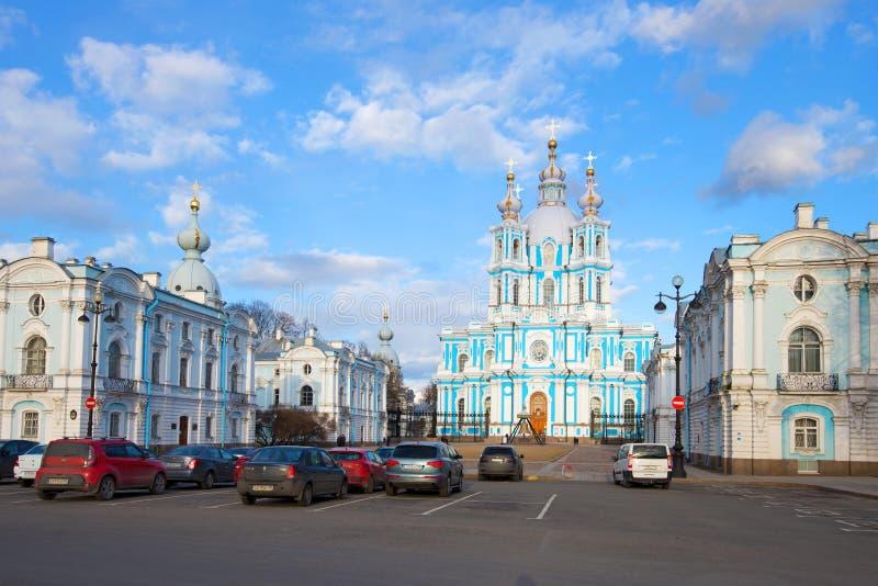 День на Smolny, воскресение в апреле собора Христоса Санкт-Петербург стоковое фото rf