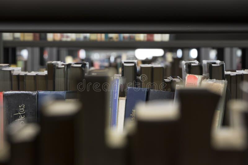 День открытия декабрь 2018 piloto pública biblioteca medellin публичной библиотеки стоковые изображения