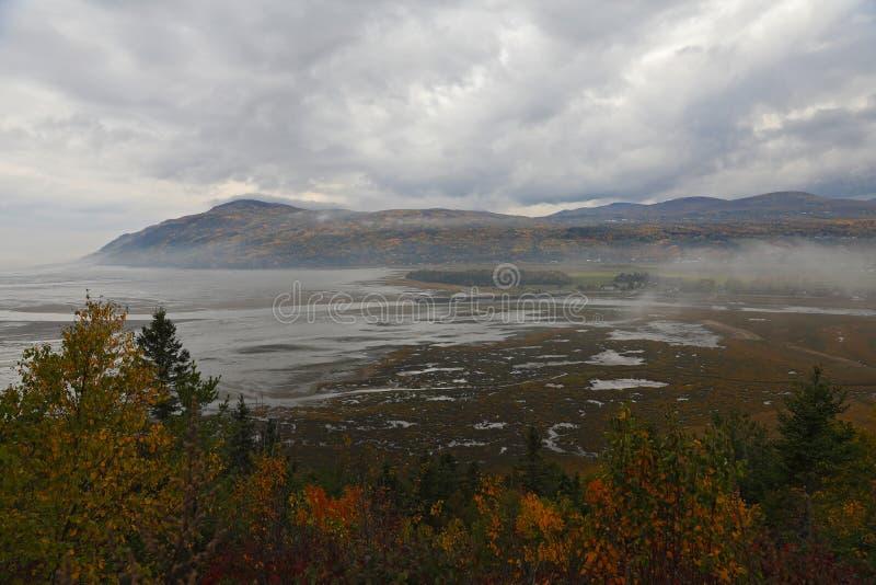День падения в Baie-Свят-Поле, Charlevoix, Квебеке, Канаде стоковое фото