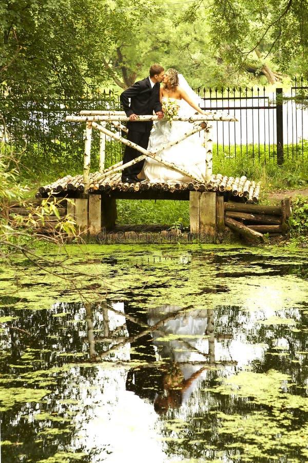 день пар их венчание стоковые фото