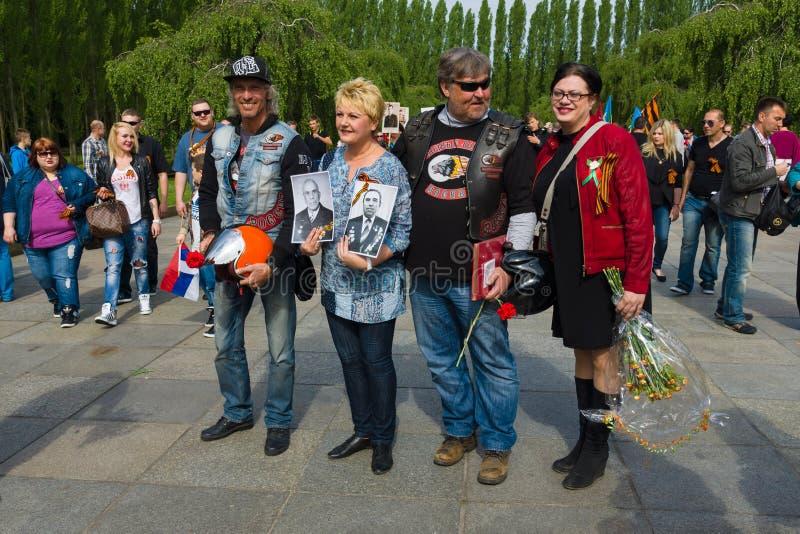 День ( победы; 9-ое мая ) в парке Treptower berlin Германия стоковые фото
