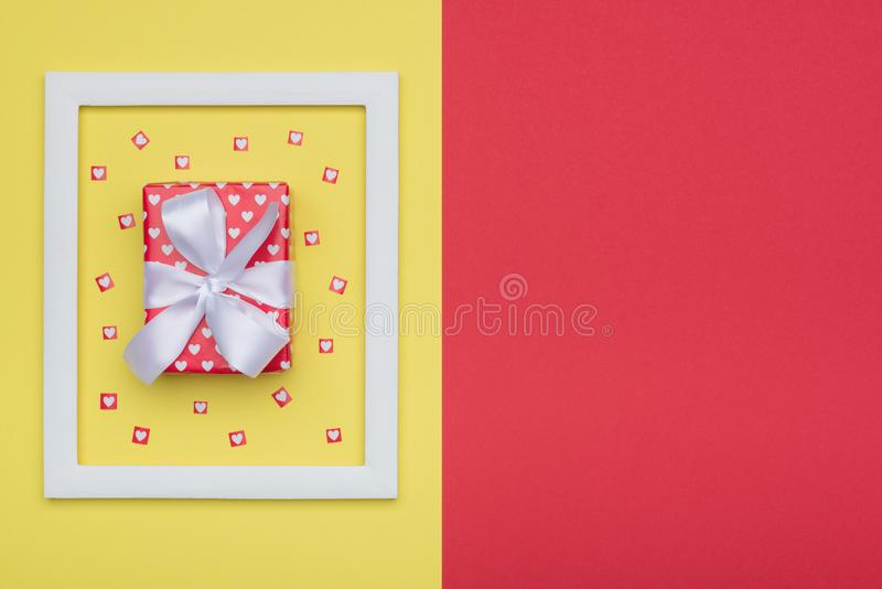 День ` s дня, валентинки счастливого ` s дня, женщин ` s матери или предпосылка дня рождения Концепция плоского положения минимал стоковые изображения