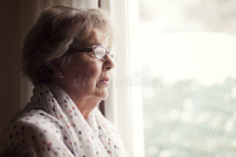 Депрессия старшей женщины стоковое изображение rf