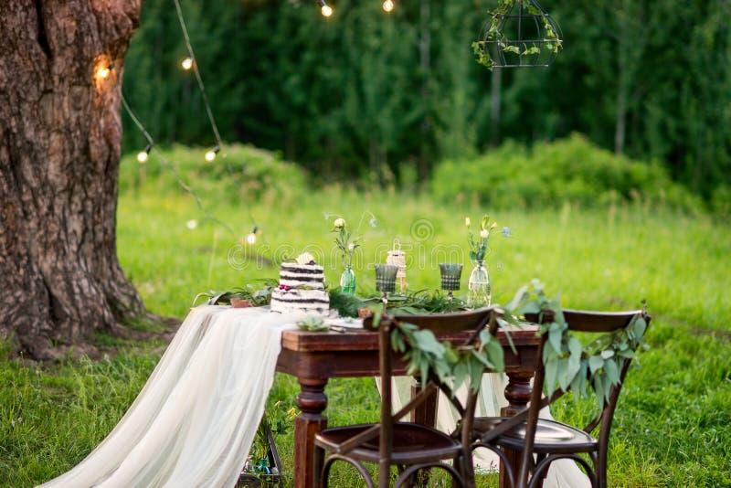 Деревенская зона фото свадьбы Ручной работы украшения свадьбы стоковые фото