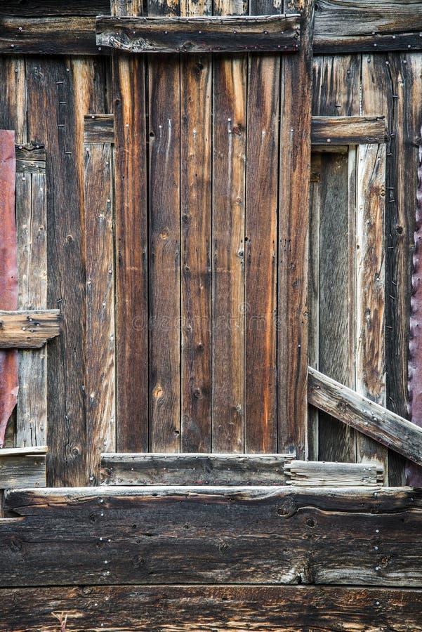 Деревенская стена древесины амбара стоковые фотографии rf