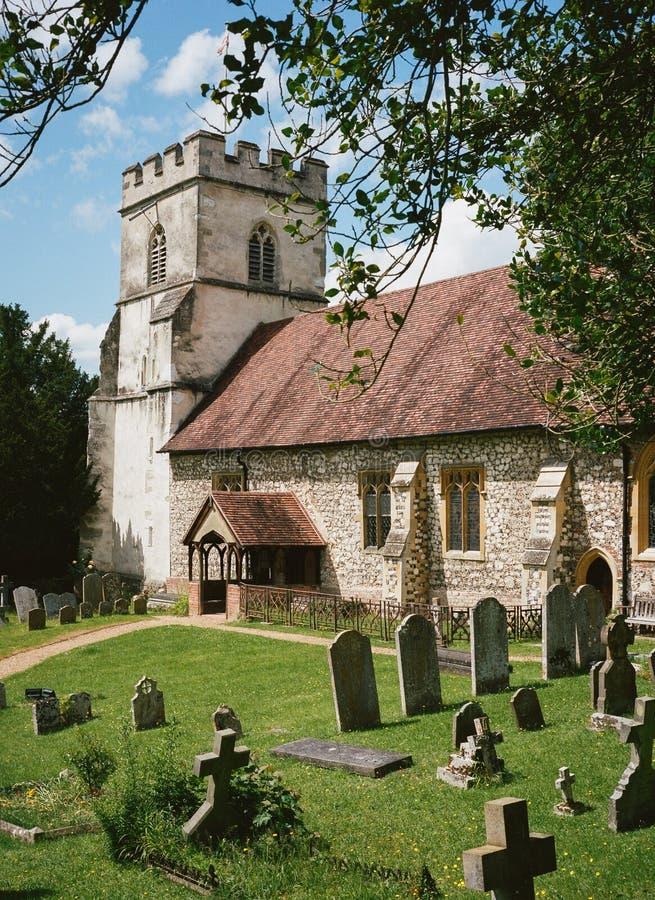 Деревенская церковь в Англии стоковые фотографии rf