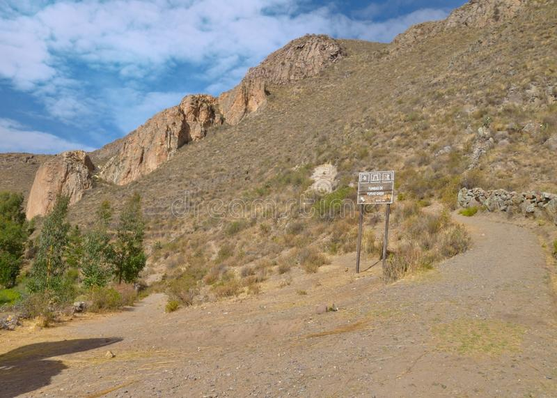 Деревенский путь, каньон Colca стоковые изображения
