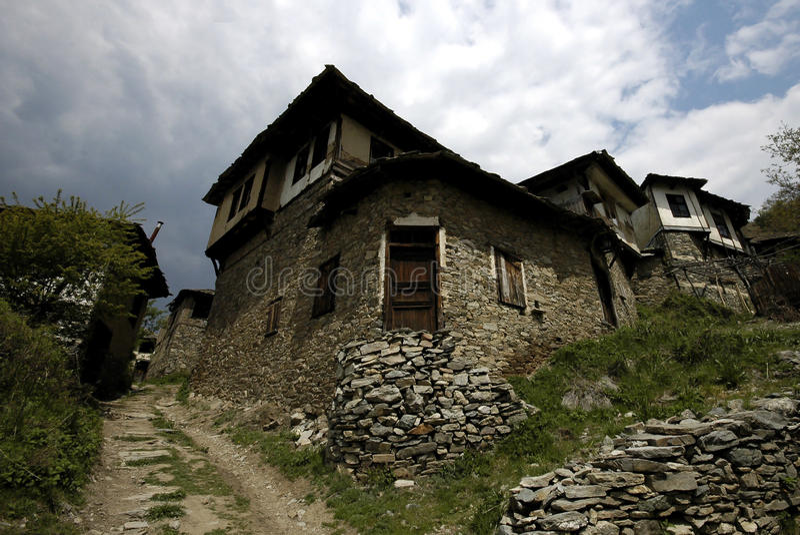 Деревня в горах Rodopi, Болгария Eco стоковое фото rf