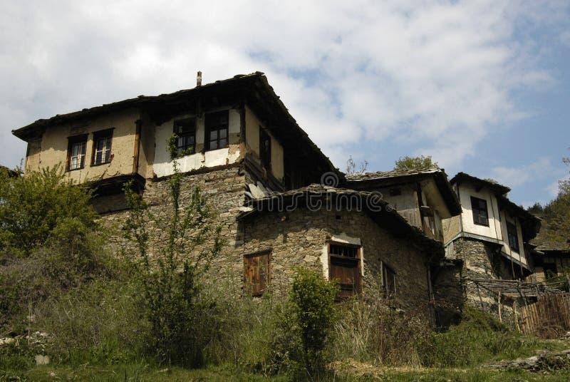 Деревня в горах Rodopi, Болгария Eco стоковые фотографии rf