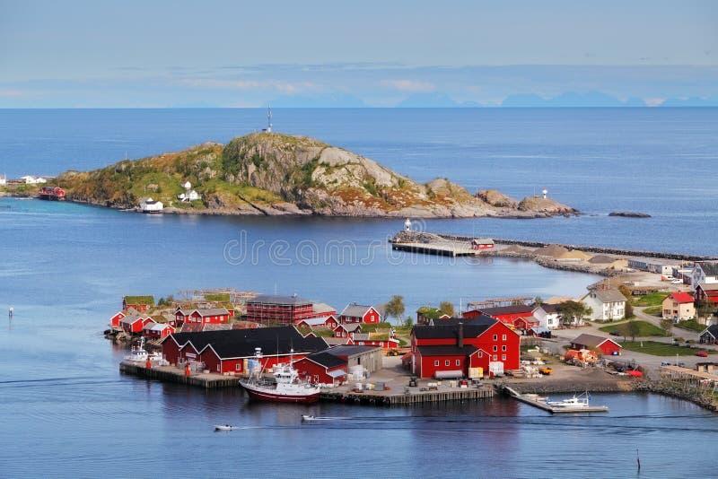 Деревня в Норвегии с домом, Lofoten, Reine стоковые изображения